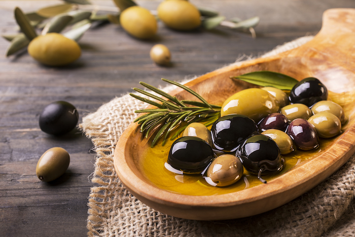 olives in oil- anti inflammatory diet