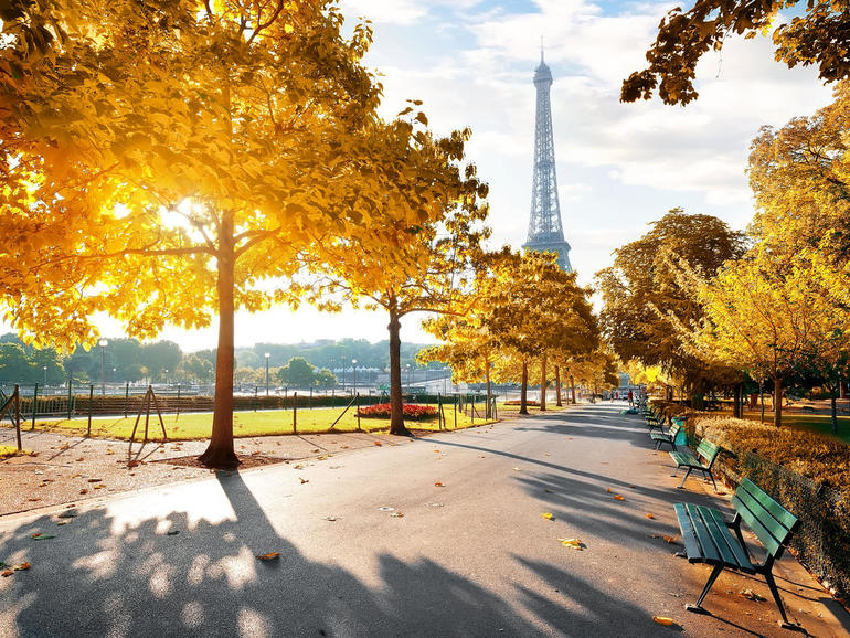 Paris' beautiful park benches are also smart, thanks to IoT devices