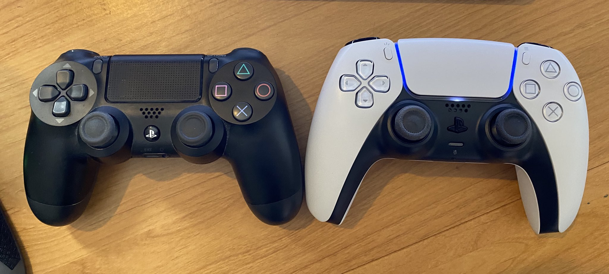Sony PS5 Control