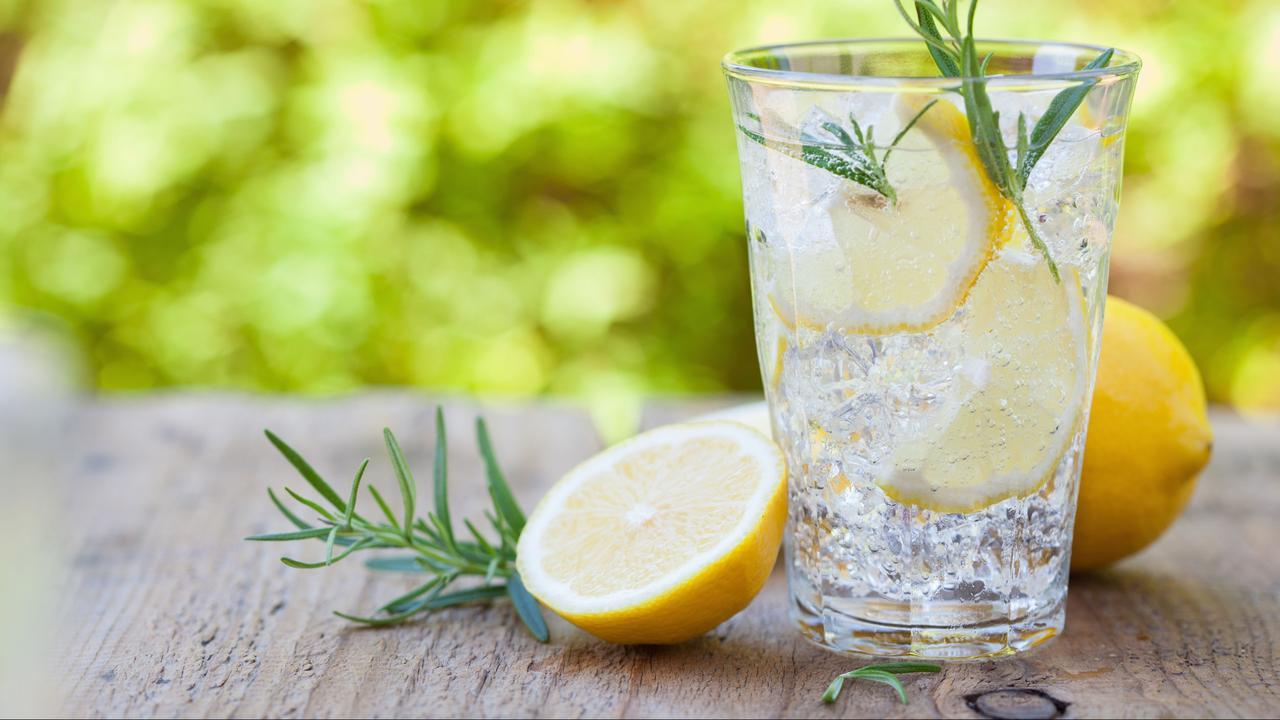 Summer Drinks: Lemon Water