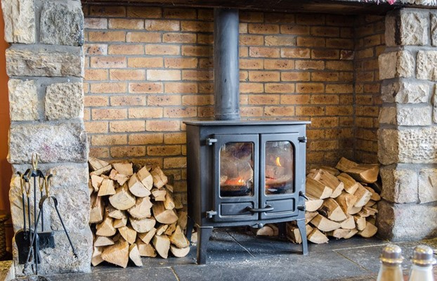 Essential Tips To Buy Wood Stoves